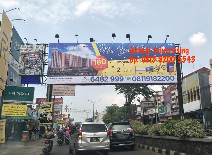 Jasa-pemasangan-billboard-signboard-hoarding-pagar-di-karawang